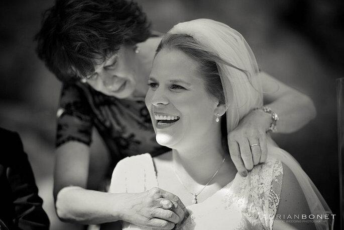 Si buscas un toque de elegancia y distinción, elige joyas con perlas para tu boda. Foto: Adrian Bonet