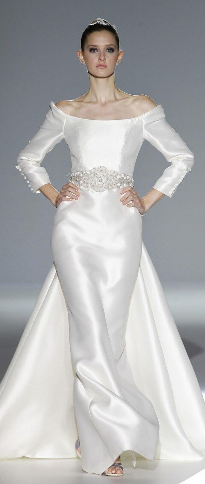 Die aktuellen Kollektionen präsentieren ebenfalls ideale Brautkleider für eine traumhafte Winterhochzeit – Foto: Ugo Camera