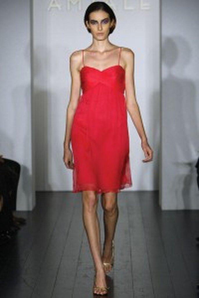 Vestido rojo corto con breteles finos