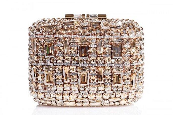 Elegante bolso de mano con diamantes para novias - Foto Brian Atwood