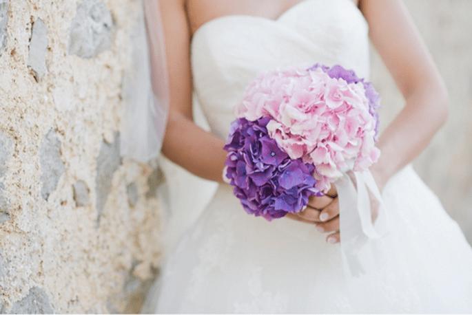 Ramos de novia en color morado y rosa. Fotografía Nadia Meli