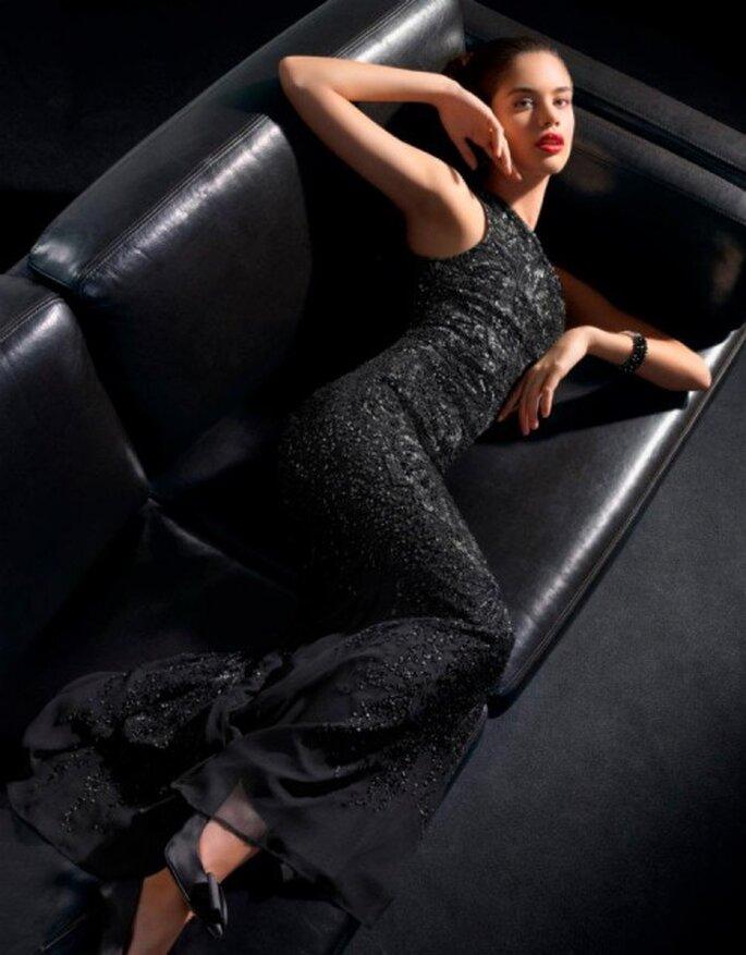 Lange, schwarze Abendkleider passen zu jedem Anlass – Foto: Rosa Clara