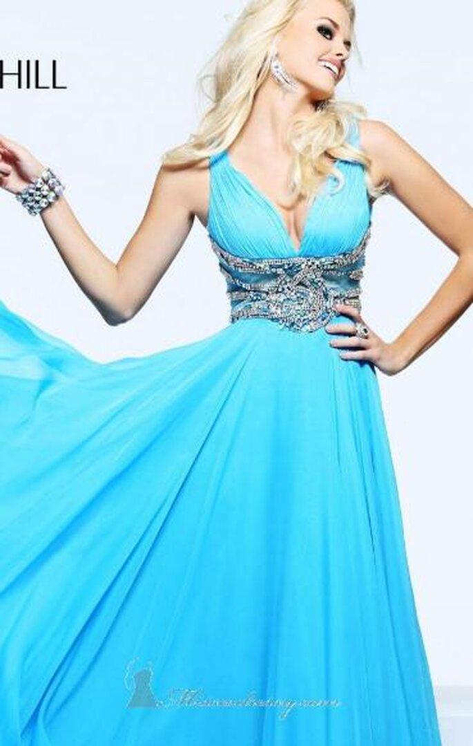 Vestido azul corto. Foto de Sherri Hill