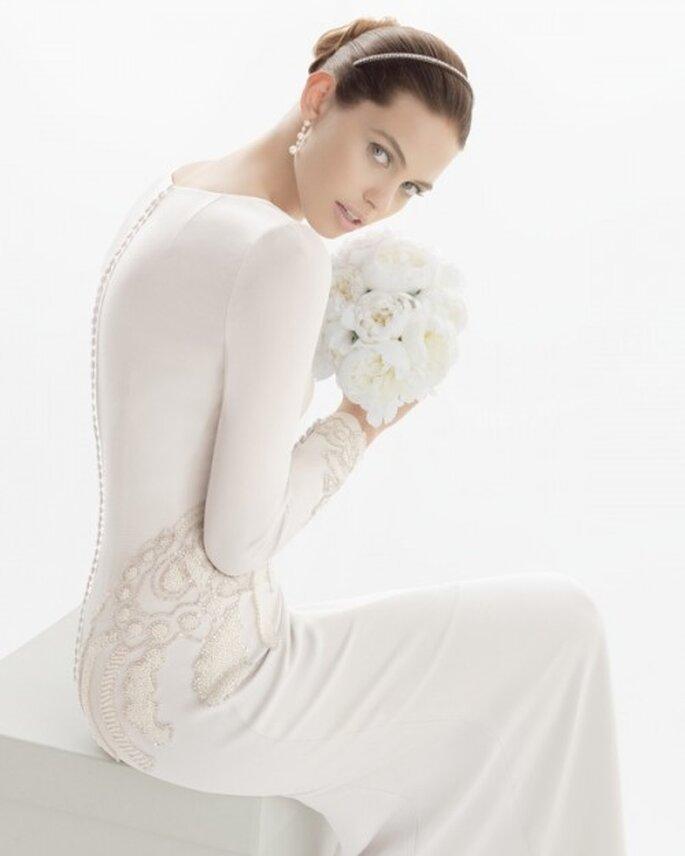 Detalle de la espalda del vestido de novia - Foto Rosa Clará