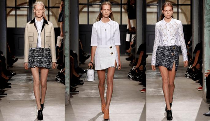 Conjuntos de faldas en tweed con blusas blancas con diseñadas con encaje - Foto Balenciaga