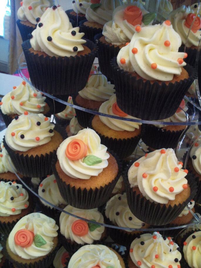 Realizzate i vostri cupcake di nozze con dettagli che richiamino la notte delle streghe! Foto: www.fantasycupcakesuk.blogspot.com