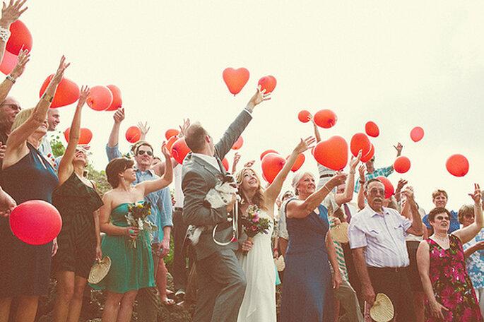 Decoración para boda en rojo. Foto de One Love Photo.