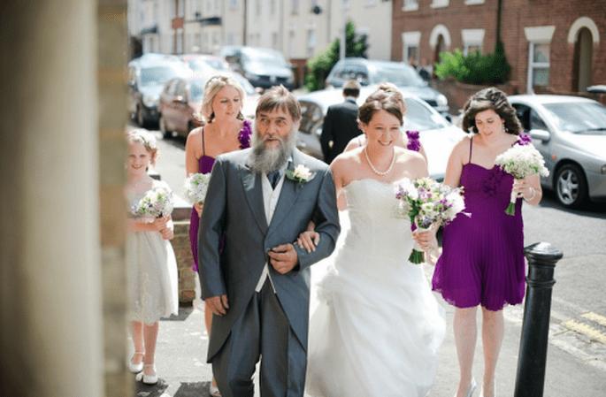 La familia de la novia y sus damas antes de la ceremonia religiosa - Foto Nadia Meli
