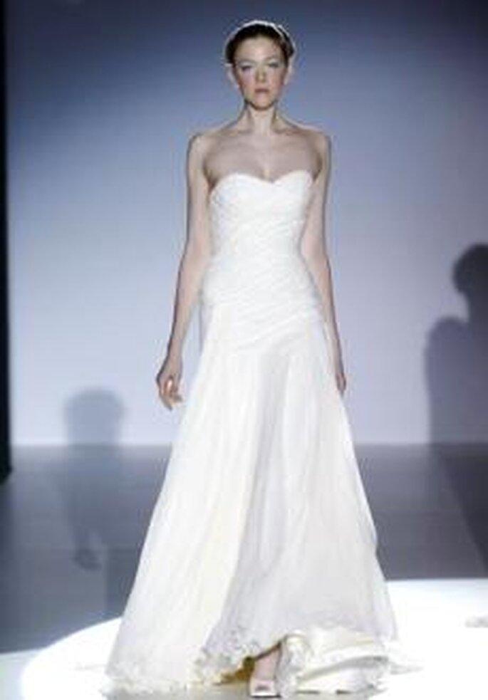 Joaquim Verdu 2010 - Vestido largo en seda, corte evasé, palabra de honor en forma de corazón, corpiño fruncido