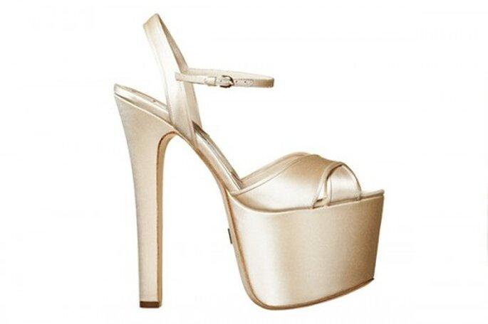 Zapatos de novia con mucha plataforma - Foto Brian Atwood