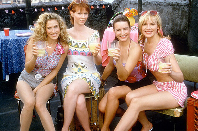 Paseos en limusina, cupcakes y ... ¡Cosmopolitans! Foto: HBO Films