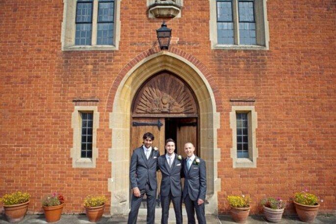 El novio y los invitados especiales deben usar boutonniere - Foto Cotton Candy Weddings