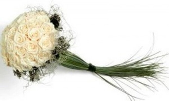Original ramo de novia de tallo largo