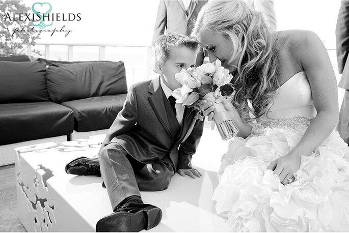 Niños en la ceremonia matrimonial. Foto: Alexi Shields