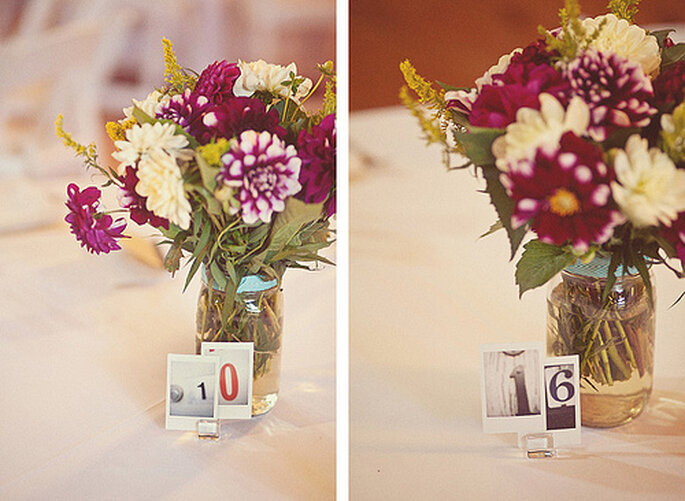 Arreglos florales y objetos reciclados para tu boda ecológica. Fotos de One Love Photo