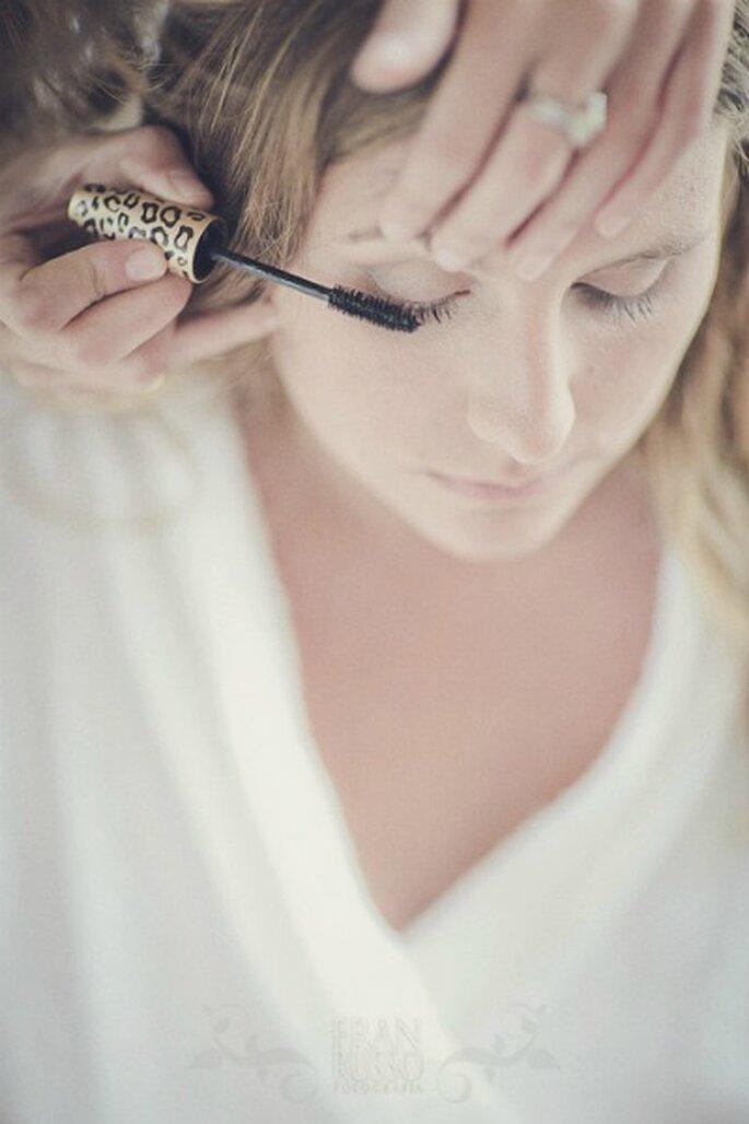 Le maquillage des yeux de la mariée se doit d'être lumineux et résistant. - Photo : Fran Russo