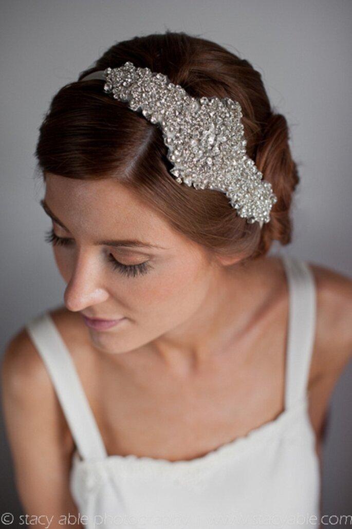 Tocado de novia para el cabello de estilo vintage - Foto Emily Riggs Bridal