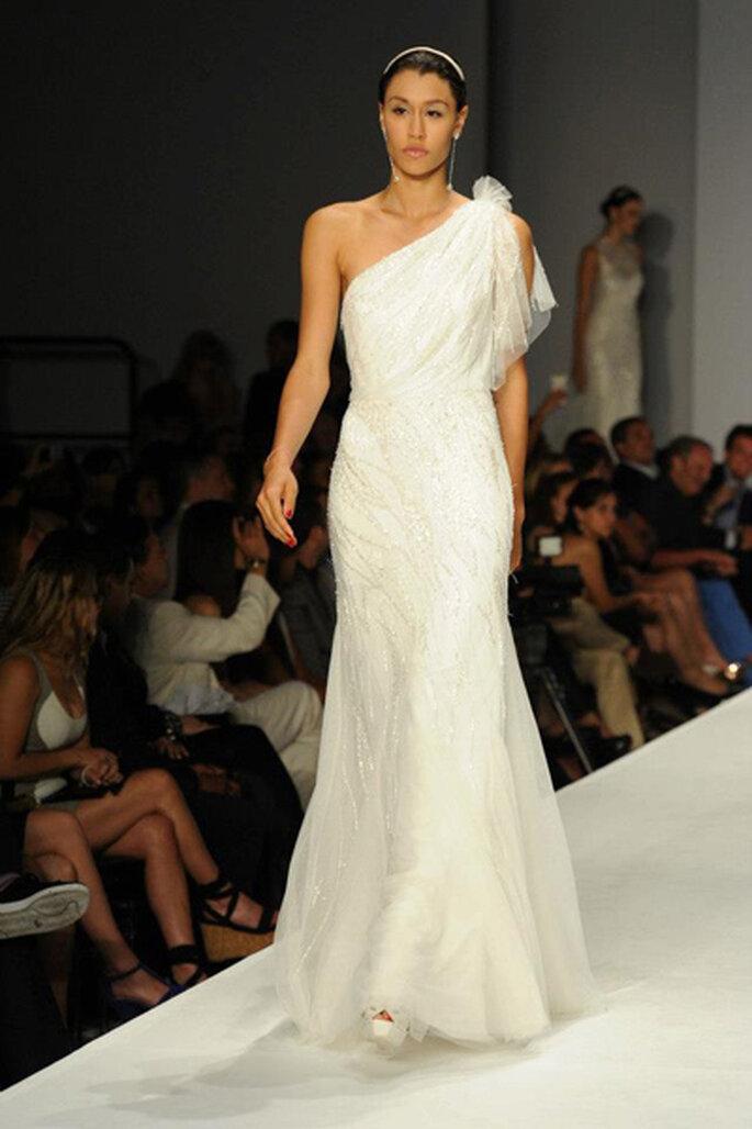 Un modèle élégant de la nouvelle collection de Rosa Clará. Photo: Rosa Clará 2014