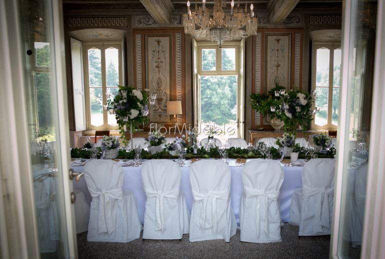 Organic wedding decor in villa - Ph. A&B image of your life
