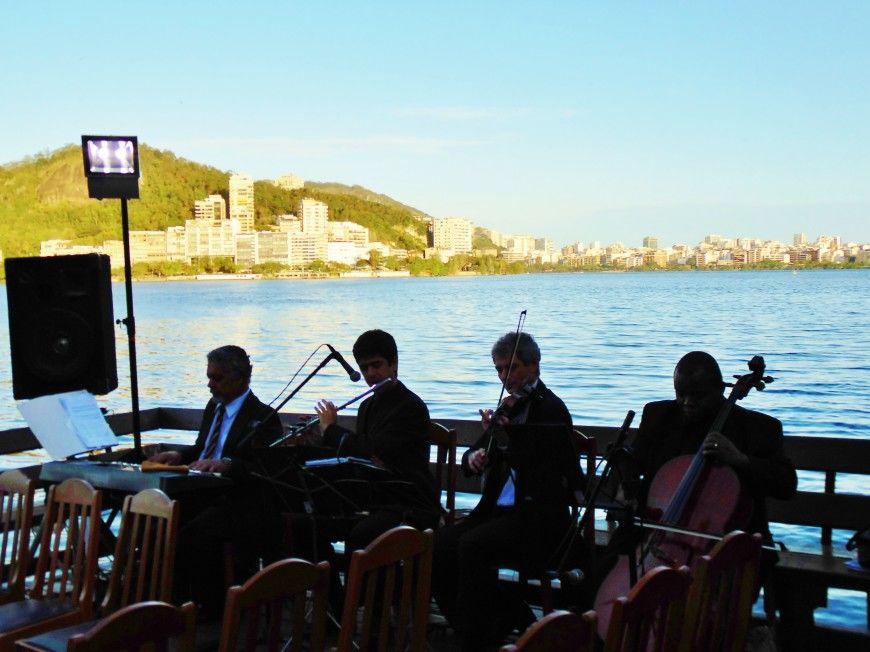 Athamis Veloso Orquestra e Coral I Formação Musical: Quarteto Musical: Violino +  Violoncelo + Teclado + Flauta