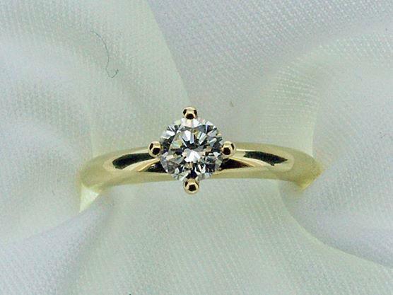Beispiel: Verlobungsring -  Gold, Foto: Die Schatztruhe.