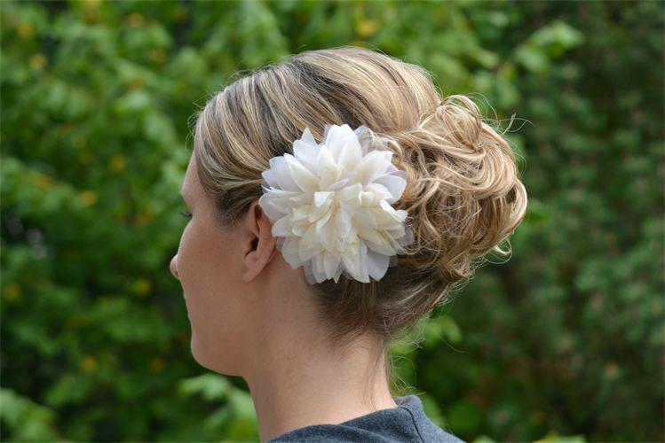 Beispiel: Wunderschöne Brautfrisuren, Foto: Anjas Homecut.