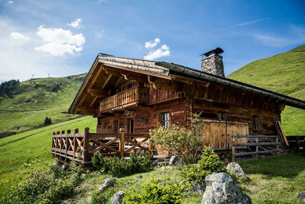 Beispiel: Einsame Berghütte in den Alpen, Foto: Secret Escapes.
