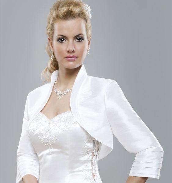 Beispiel: Eleganz für Ihre Hochzeit, Foto: Eliyzi Couture Accessoires.