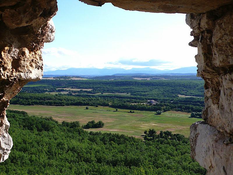 la Bastide de la Grande Roquette se situe sur un Domaine de 240 hectares, vous pouvez y rejoindre le Verdon à 2kms pour une animation Canoë ou randonnée.