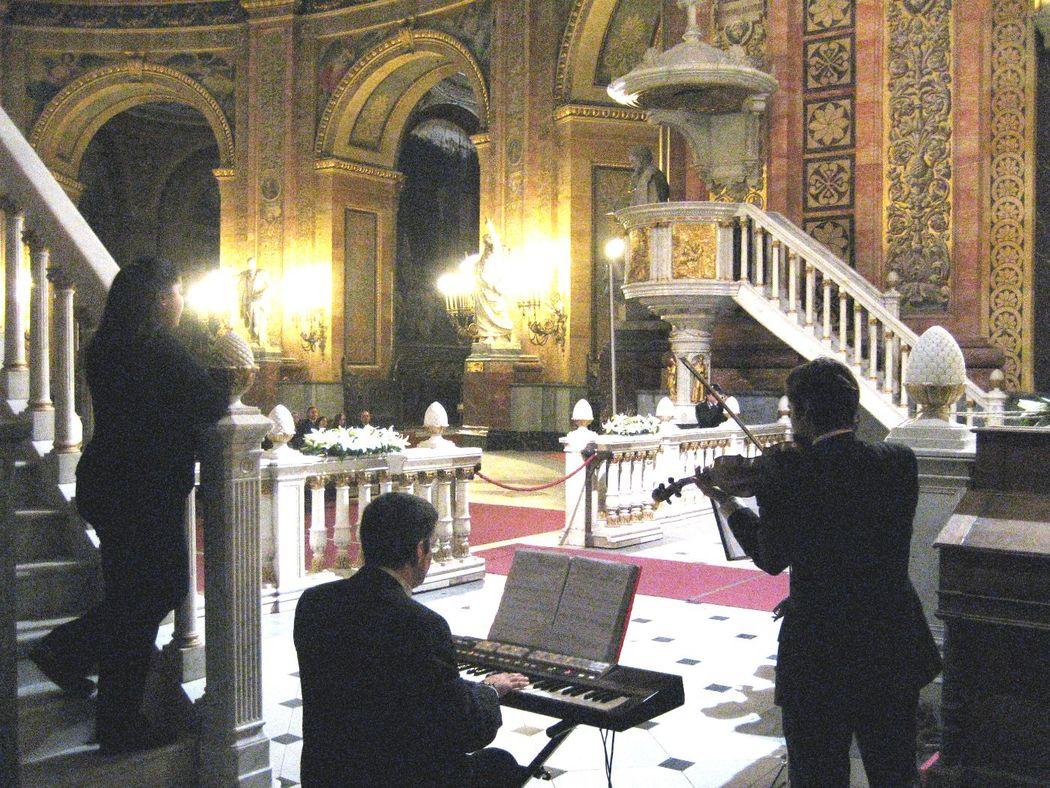 Soprano, violín y órgano en San Francisco el Grande