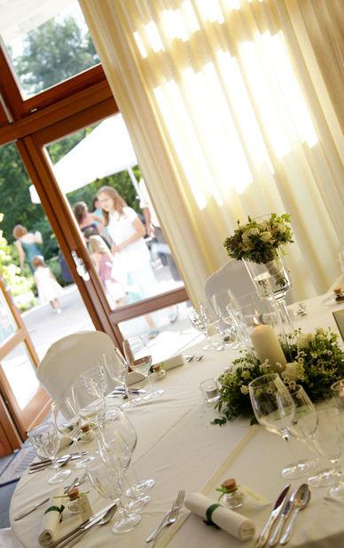 Beispiel: Tischdekoration, Foto: Hotel residenz am Motzener See.