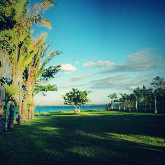 Jardin de eventos Paraiso Bacalar en condiciones naturales para observar las instalaciones al natural.