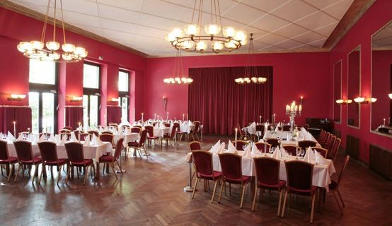 Beispiel: Roter Saal, Foto: Schlossgarten.