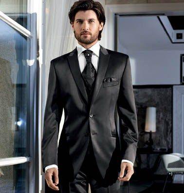 Beispiel: Herrenanzug, Foto: Adamski Herrenbekleidung.