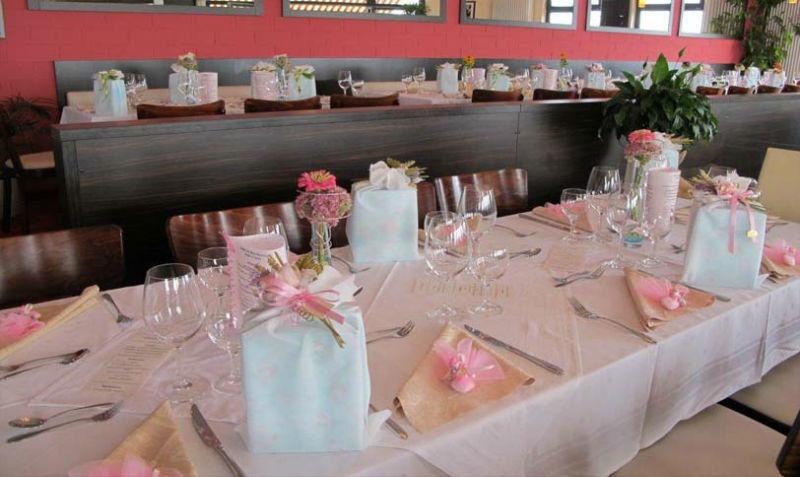 Beispiel: Tischdekoration, Foto: Strandcafé am Markkleeberger See.