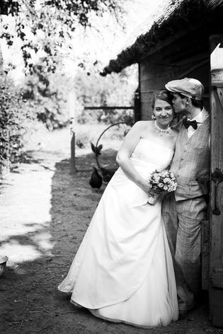 Beispiel: Hochzeitsshooting Schwarz/Weiss, Foto: moment mal - fotografie.