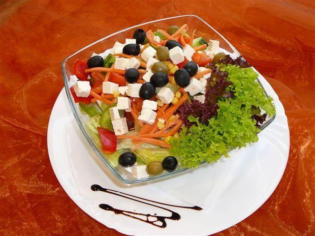 Beispiel: Schöne angerichtete Speisen, Foto: Paiser Catering.