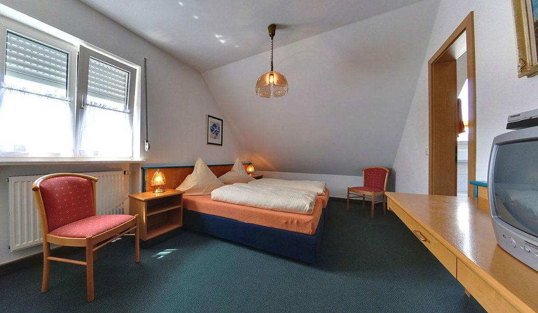 Beispiel: Hotelzimmer, Foto: Gasthof Lachner.