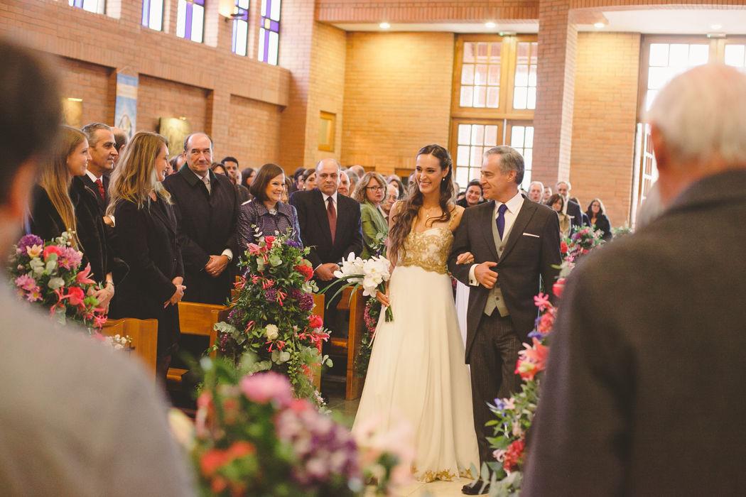 La novia entra