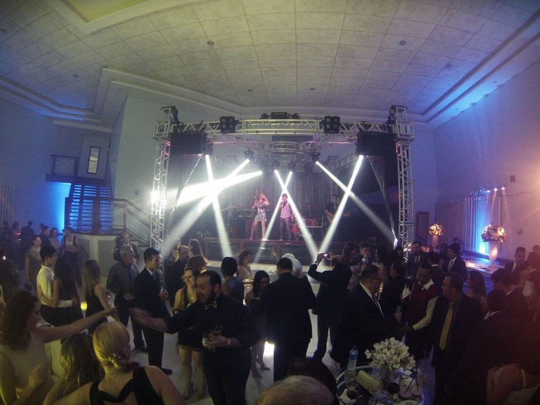 Banda Brega & Chic-Estamos nas melhores festas de formaturas, congressos, debutantes, aniversários, casamentos, confraternizações, hotéis e bodas, acesse nosso site e peça seu orçamento  www.bregaechic.com.br