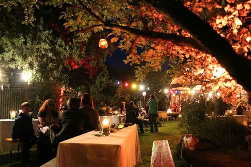 Beispiel: Festgesellschaft am Abend, Foto: Villa Kunterbunt.