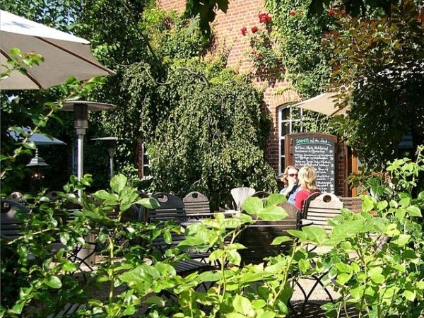 Beispiel: Garten mit entspannter Atmosphäre, Foto: Antik-Hof Bissee.