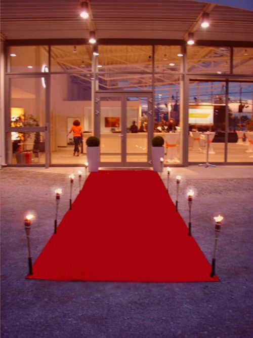 Beispiel: Roter Teppich, Foto: Deko-Rent.