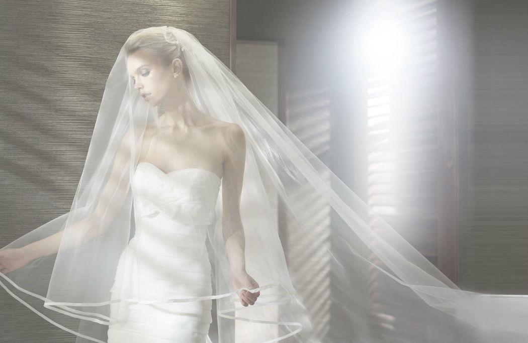 Beispiel: Brautkleid, Foto: MarryGold Brautmoden.