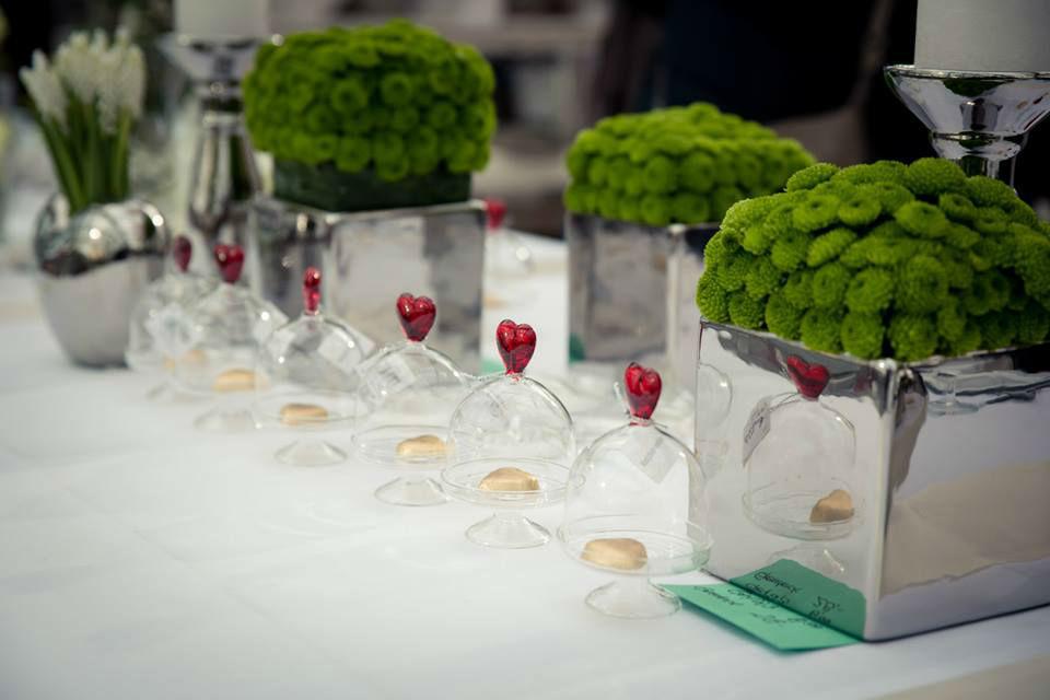 Beispiel: Blumen für Ihren Hochzeitstisch, Foto: May Garden.