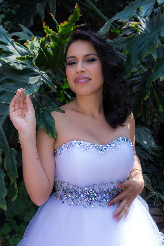 Alekssandra Gómez  Maquillaje de Novia para boda por la tarde