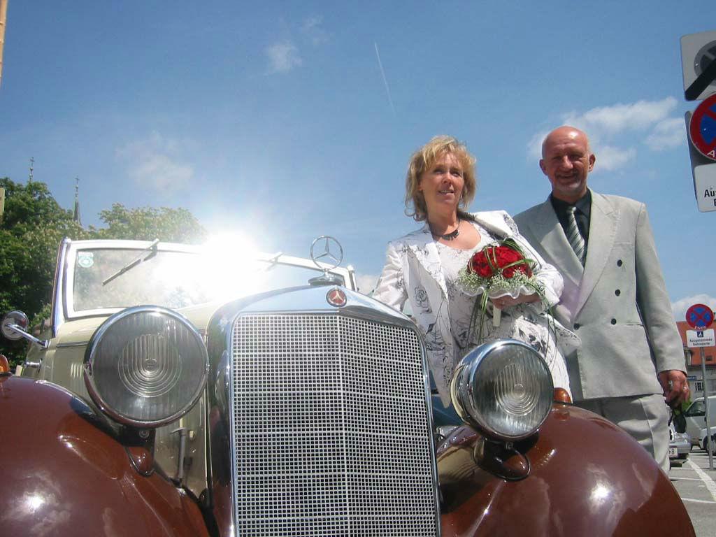 Beispiel: Geben Sie Ihrer Hochzeit ein besonderes Flair, Foto: Oldtimer-Wien.