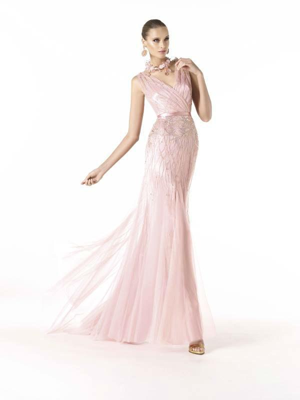 Beispiel: Elegante Kleider, Foto: Brautsalon Flossmann Festmode.