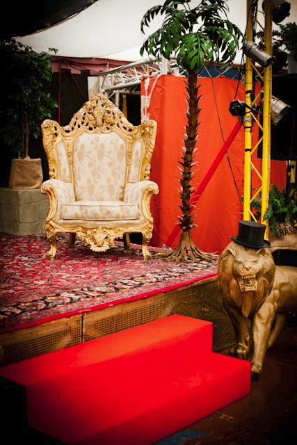 Beispiel: Innenraum - Einrichtung, Foto: Chapiteau Düsseldorf.