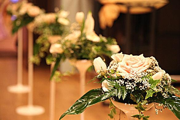Beispiel: Hochzeitsfloristik, Foto: Ness Event.